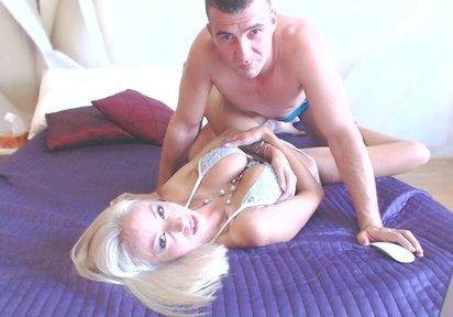 Sexcam Livegirl Reka+SexyToni