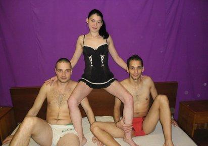 Sexcam Livegirl ReifeYnez+HotLucas+SexyPhilip