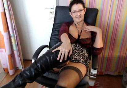 Sexcam Livegirl HotCurvyTina