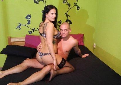 Sexcam Livegirl ChealseaCute+CuriousGeorge