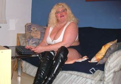 Sexcam Livegirl ReifeLeonie