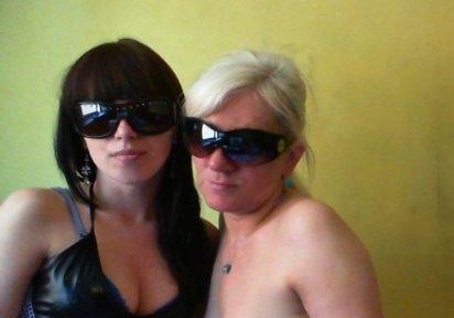 Sexcam Livegirl DirtyLaura+HornyTatjana