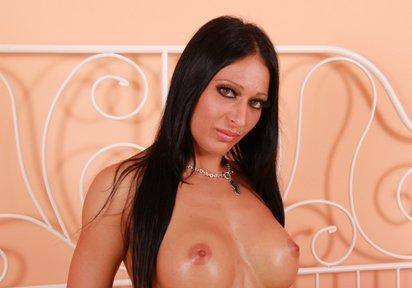 Sexcam Livegirl CuteNaomy